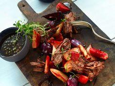 Storfe høyrygg i jerngryte Winter Food, Pot Roast, Japchae, Ethnic Recipes, Velvet, Carne Asada, Roast Beef
