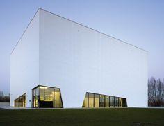 Community center   Dierendonck Blancke Architects