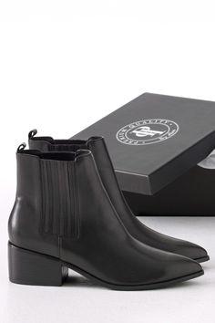 Ellos Shoes Boots Tilly med spids tå
