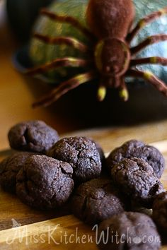 Hagrid's Vegan Rock Cakes - Harry Potter Crinkle Carob Cookies via http://MissKitchenWitch.com