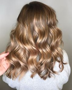 Golden Brown Balayage - 20 Best Golden Brown Hair Ideas to Choose From - The Trending Hairstyle Brown Hair Shades, Light Brown Hair, Brown Hair Colors, Light Colored Hair, Champagne Hair Color, Champagne Blonde, Ombre Hair Color, Hair Colour, Balayage Hair