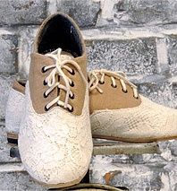Tan lace oxford saddle shoes