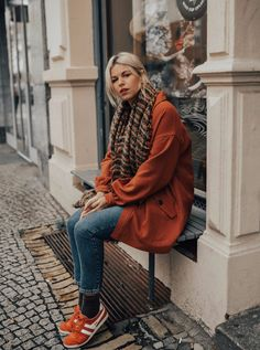 Mein Herbstlook mit Gola Classics Sneaker || Trendfarbe: Orange  #hm #hmootd #gola #fashionbloggers #fashionismypassion #berlin #outfitoftheday #outfitgoals #outfitideas #lookoftheday #lookbook #orange