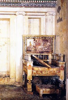 The Throne of Eurydice, Alexander's paternal grandmother. Circa 340 B. Gilded and painted marble. Ancient Greek Art, Ancient Greece, Greek Antiquity, Alexandre Le Grand, Ancient Artefacts, Classical Greece, Hellenistic Period, Greek Warrior, Greek Pottery