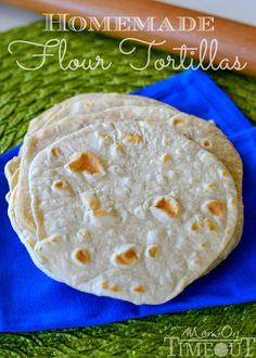 DO NOT buy store flour tortillas, yuck! INSTEAD here is an Easy Homemade Flour Tortillas Recipes With Flour Tortillas, Homemade Flour Tortillas, Fresh Tortillas, Mexican Dishes, Mexican Food Recipes, Cocina Natural, Naan, Dessert, Crepes