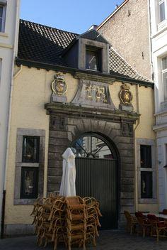 Onze-Lieve-Vrouweplein  Wolwaag (Maastricht) - Wikipedia