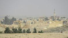 «Après de violents combats nocturnes, l'armée contrôle entièrement la ville de Palmyre, y compris le site antique et la partie résidentielle. Ils (les djihadistes) se sont retirés», a expliqué une source de l'armée.