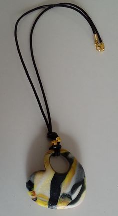 """Halskette """"negro y amarillo"""" Halskette Pendant Necklace, My Favorite Things, Jewelry, Gallery, Fashion, Black Necklace, Yellow, Jewels, Neck Chain"""