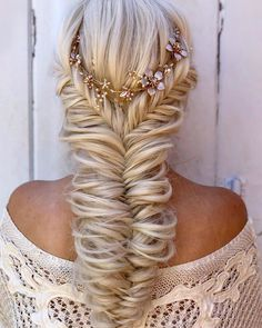 39 Braided Wedding Hair Ideas You Will Love ❤ braided wedding hair long blonde with halo alexandralee1016 #weddingforward #wedding #bride #weddinghair #braidedweddinghair Braided Hairstyles For Wedding, Loose Hairstyles, Elegant Hairstyles, Bridal Hairstyle, Wedding Beauty, Wedding Bride, Boho Wedding, Dream Wedding, Retro Wedding Hair