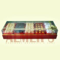 Aneka Kue Kering Enak, Lezat, higienis, dibuat dari bahan-bahan berkualitas, dengan harga yang terjangkau cuma ada di Almerss Brownis.  More Info: Almerss brownis Jl. Alaydrus no. 71A Jakarta Pusat Telp. 021-633-6435 / 021-633-2455 Fax : 021-633-2456 HP : 089630604955 BB pin : 2832509B Web : www.almerscake.com
