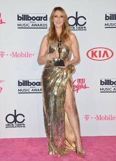 Pin for Later: Céline Dion Dédie Sont Icon Award à René Angelil Lors des Billboard Music Awards