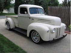 Anyone else in love with this 1947 Ford pickup truck? These sturdy vintage trucks were built like tanks. Wonder how much it would cost today to put this much metal into a pickup truck? via Pin-Ups for Vets FB