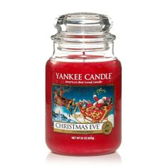 Christmas Eve® candles from Yankee Candle fill your whole house with the traditional holiday scents of a warm fire, sugared plums and candied fruits. Yankee Candle Christmas, Christmas Scents, Christmas Candles, Christmas Eve, Hallmark Christmas, Christmas Countdown, Yankee Candle Scents, Yankee Candles, Scented Candles