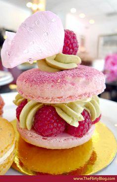 라즈베리&핑크 로즈 마카롱 케이크