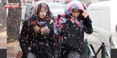 Meteorolojiden #İstanbul için son dakika uyarısı : Meteoroloji Genel Müdürlüğü bu geceden itibaren yurda giriş yapacak soğuk hava dalgasının #İstanbulda yarın geceden itibaren kentin iç ve rakımın 100 metre üzerinde olan kesimlerinde karla karışık yağmur şeklinde etkili olacağını duyurdu. Açıklamada yağışın perşembe akşamı cuma ve #cumartesi günleri #Aralıklarla karla karışık yağmur ve kar yağışları şeklinde etkili olacağı belirtilerek kentin iç ve yüksek kesimlerinde kar kalınlığının 5 - 10…