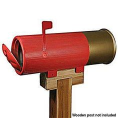 Shotgun Shell Mailbox Accommodates the Latest Issue of 'Guns and Ammo' Nicely Unique Mailboxes, Funny Mailboxes, Painted Mailboxes, You've Got Mail, Bullet Casing, Ideas Hogar, Gadgets, Shell Crafts, Yard Art