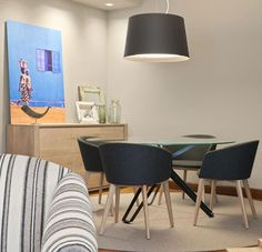 Salón-comedor ubicado en Bilbao y decorado por Urbana15