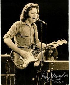 All hail Rory and his cherished strat