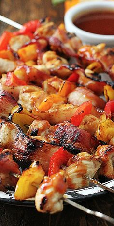 Grilled Honey BBQ Bacon Chicken Kabobs- so so good! The only way you should ever eat kabobs! Chicken Kabobs, Chicken Bacon, Chicken Recipes, Bbq Chicken, Honey Chicken, Grilled Chicken, Chicken Bites, Greek Chicken, Healthy Chicken