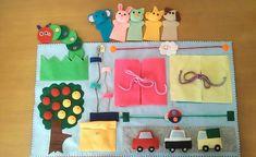 ハンドメイドマーケット+minne(ミンネ)|+フェルト布の知育おもちゃ★プレイマット ボタン練習 指人形