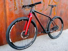 Konstructive_IOLITE_XX1_MTB_Ruby_Red_front_left