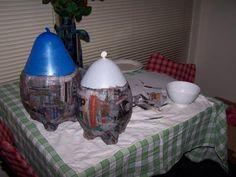 How to make a paper mache cauldron for Halloween! Lots of other Harry Potter crafts, too! Harry Potter Jornal, Mundo Harry Potter, Diy Halloween Decorations, Halloween Crafts, Halloween Party, Halloween Photos, Paper Mache Clay, Paper Mache Crafts, Halloween Entertaining