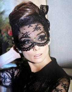 This Christmas, Into The Gloss is fawning over the new hardcover tome devoted to Audrey Hepburn. Audrey: The by David Wills belongs on your bookshelf. Hollywood Glamour, Old Hollywood, Hollywood Actresses, Classic Hollywood, Audrey Hepburn Mode, Non Plus Ultra, Slider, I Believe In Pink, My Fair Lady