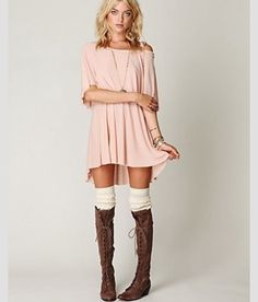 Love those boots! LoLoBu - Women look, Fashion and Style Ideas and Inspiration, Dress and Skirt Look Mode Outfits, Fall Outfits, Fashion Outfits, Womens Fashion, Unique Outfits, Dress Fashion, Chic Outfits, Dress Outfits, Summer Outfits