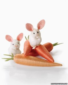 These bunnies and carrots are so easy to assemble; you can create a whole family of them in no time. Use them to decorate place settings, nestle in Easter baskets, or hang from an Easter tree.