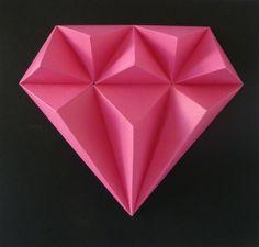 Pink+PANTHER+S+malou+trochou+snažení,+slož+si+drahé+kamení.+Budete+potřebovat:+nůžky,+lepidlo,+pravítko,+troch+času+a+trpělivost+Obtížnost:+lehká+Velikost+:+21x21x3cm+Obsah:+5+dílů+-+instrukce+Pro+naše+2,5D+modely+používáme+kvalitnístálobarevné+papíry+s+vysokou+gramáží.
