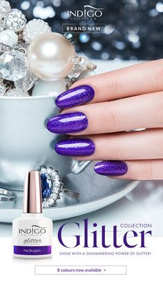 Na Bogato – gold, gold, never enough gold! Bathe in it and sprinkle your manicure with carats that will make you shine like a precious ore. Mermaid Effect, Nail Lab, Gel Polish Manicure, Indigo Nails, Nail Effects, Gold Gold, Nails Inspiration, Nailart, Irish