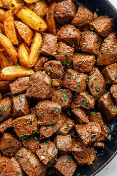 Garlic Butter Steak Bites and Potatoes - - Super flavorful and nourishing, these garlic butter steak bites and potatoes are a one-skillet wonder you'll return to again and again! Chopped Steak Recipes, Beef Tip Recipes, Potato Recipes, Dip Recipes, Delicious Recipes, Appetizer Recipes, Easy Recipes, Appetizers, Yummy Food