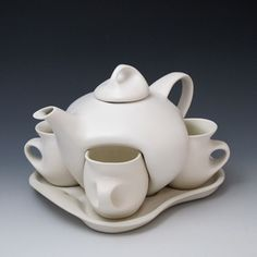 "Design II Set, known as ""Captain Picard's Tea Set"", from its appearances on Star Trek , The Next Generation (via Saenger Porcelain)"