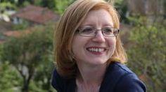 Image caption                                      La entrevistadora Helen Swift dice que quiere ver la capacidad de los candidatos para pensar con flexibilidad.                                La Universidad de Oxford, una de las más prestigiosas del mundo, ha abierto el plazo para recibir solicitudes de ingreso este año. Además de las solicitudes y sus declaraciones de interés, para entrar en algunos de los