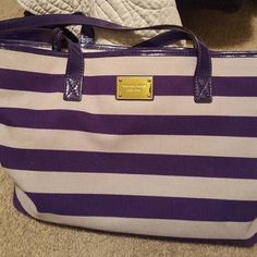 Michael Kors tote Perfect for summer time. Used couple times. Very clean. New conditions Michael Kors Bags Totes