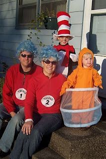The fish in this ensemble is genius. Cute Costumes, Family Halloween Costumes, Halloween Fun, Halloween Activities, Costume Ideas, Halloween Horror, Stroller Halloween Costumes, Dr Seuss Costumes, Goldfish Costume