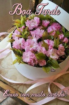 Boa tarde! Italian Greetings, Good Wednesday, Lovely Shop, Good Afternoon, Happy Day, Spring Flowers, Beautiful Flowers, Beautiful Beautiful, Floral Wreath