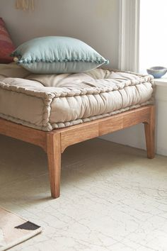 Slide View: 3: Hopper Daybed
