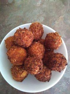 Rántott sajtgolyók Ethnic Recipes, Food, Essen, Meals, Yemek, Eten