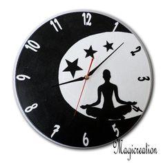 sur commande horloge méditation dans la lune - Boutique www.magicreation.fr Clock, Dressing, Boutique, Vinyls, Moon, Wall Clocks, Watch, Clocks, The Hours
