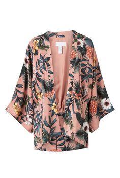 Witchery Solar Print Kimono Look Kimono, Kimono Blouse, Kimono Jacket, Kimono Fashion, Hijab Fashion, Fashion Outfits, Fashion Line, Kids Fashion, Womens Fashion