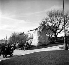 Lisboa de Antigamente: miradouro Outdoor, Stone Stairs, Bouldering, Heavy Highlights, Old City, Bullock Cart, Monuments, Outdoors, Outdoor Games