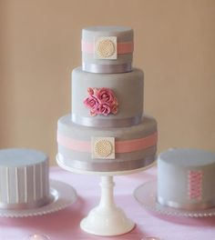 Sweet #pink and #gray #cake