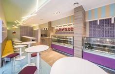Heladería La Ibense, en Yecla. Proyecto de diseño de interiores para reforma total realizado por AZ Diseño.