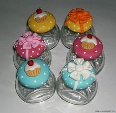 Cupcakes Decorados Ideas Polymer Clay 27 Ideas For 2019 Sculpey Clay, Polymer Clay Projects, Polymer Clay Charms, Polymer Clay Art, Clay Crafts, Clay Jar, Clay Ornaments, Pasta Flexible, Air Dry Clay