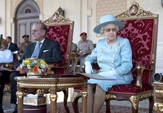 Queen Elizabeth II Photos - Queen Elizabeth II and Prince Philip continue their state visit to Oman and attend an equestrian event at the Royal Cavalry Show Ground and a garden party at the British Ambassador Residence, where the Sultan of Oman, Qaboos bin Said Al Said, greets them. - Queen Elizabeth II at the Royal Cavalry Show Ground