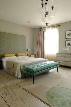studio toogood townhouse interior After reading an interview in Apartamento Magazine of Faye Toogo. Home, Bedroom Inspirations, Home Bedroom, Bedroom Interior, Modern Townhouse, Residential Interior, Interior Design Bedroom, Interior Design, Townhouse Interior