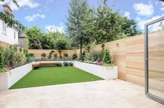 cclassic low maintenace garden design london