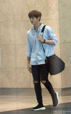 Kang Daniel Kpop Fashion Outfits, Boy Outfits, Daniel K, Produce 101 Season 2, Airport Style, Kpop Boy, K Idols, Korean Singer, Korean Fashion