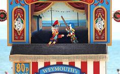 Great British seaside tradition - Punch & Judy #OccaHome #SummerTime